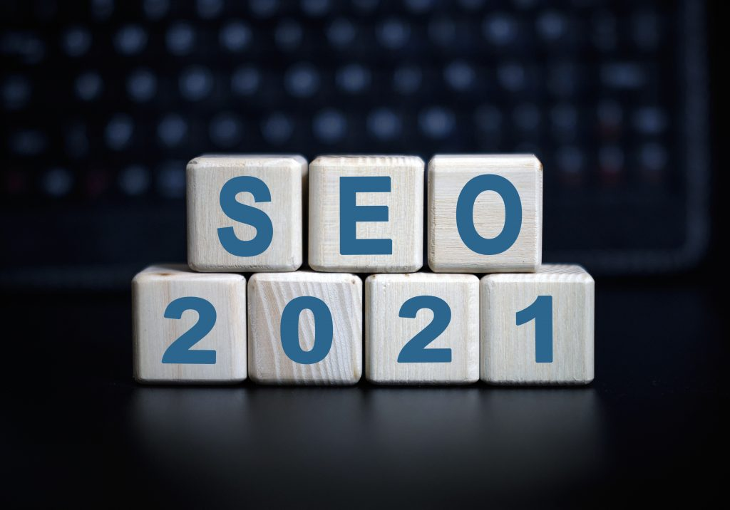 seo 2021 text wooden cubes
